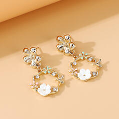 Beautiful Dainty Alloy Rhinestones With Flowers Earrings 2 PCS