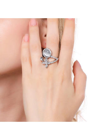 Beautiful Alloy With Gem Women's Rings